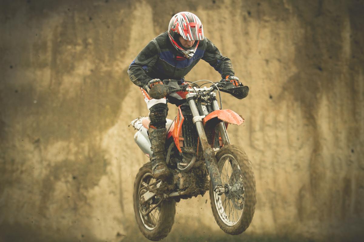 Bild eines Motocross-Fahrers