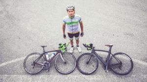 Radfahrer mit 2 Rädern