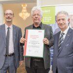 Dominic Neumann und Dr. Werner Lämmerer mit DI Dr. Peter Alfons Lipp