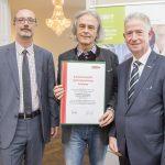 Dominic Neumann und Dr. Werner Lämmerer mit Rudolf Pusterhofer